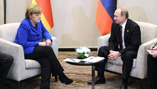Президент России Владимир Путин и Федеральный канцлер Германии Ангела Меркель. Архивное фото