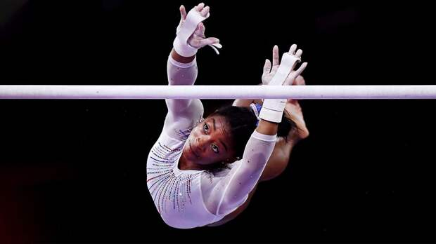 Американская гимнастка Байлз принимает психостимуляторы и остается в спорте