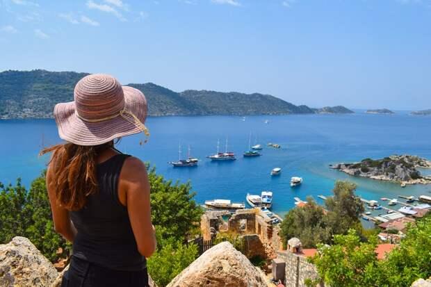 РСТ просит туристов выбирать перенос поездки, а не денежную компенсацию