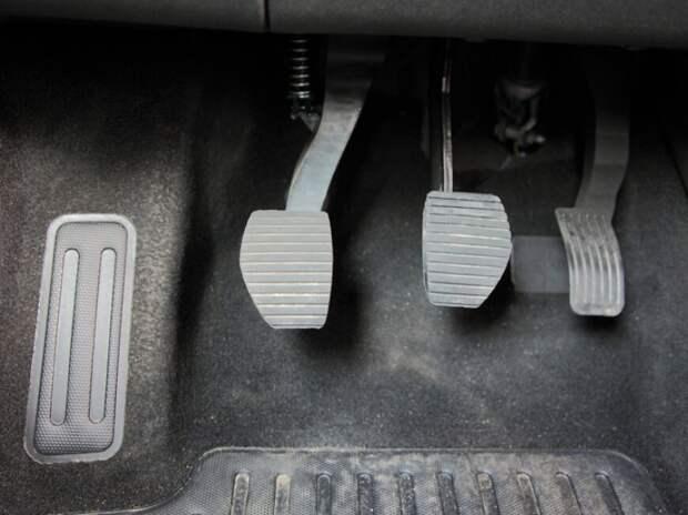 Советы для владельцев авто с механикой