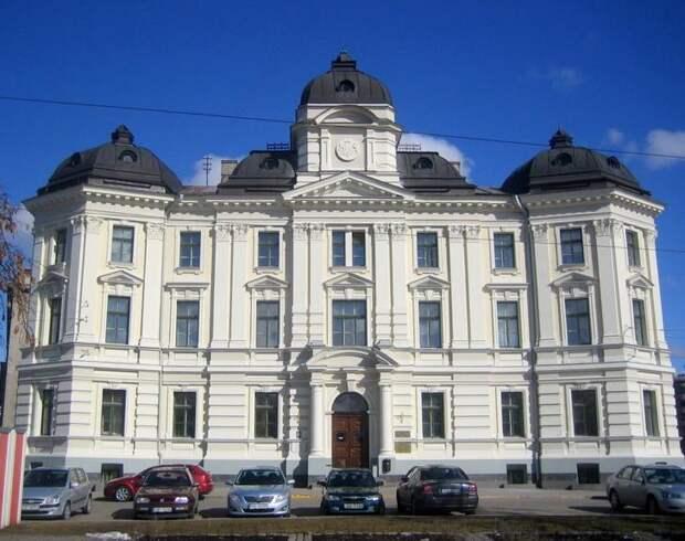 Здание бывшего Верховного суда Латвийской ССР. Фото © wikipedia