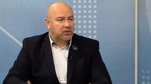Депутат НС ДНР Бердичевский заявил, что Киев подчиняется приказам США