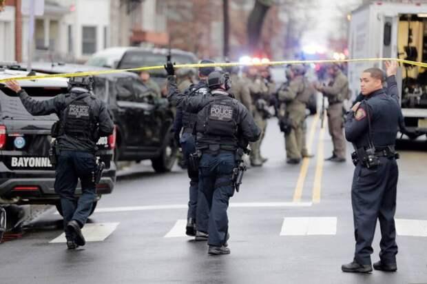 Отделались предупреждением: ФБР о подготовке банд к отстрелу полицейских