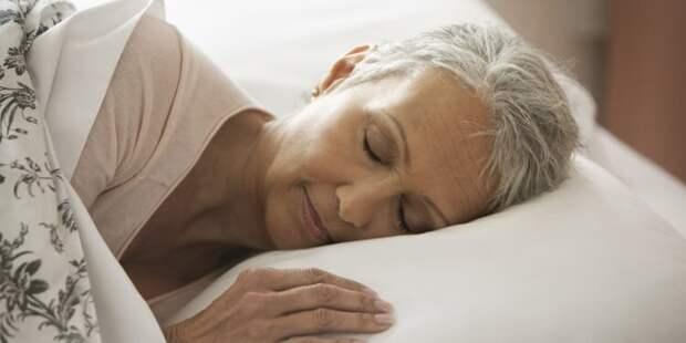 Почему с возрастом люди меньше спят?