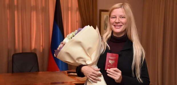 Всемирно известная пианистка получила паспорт ДНР