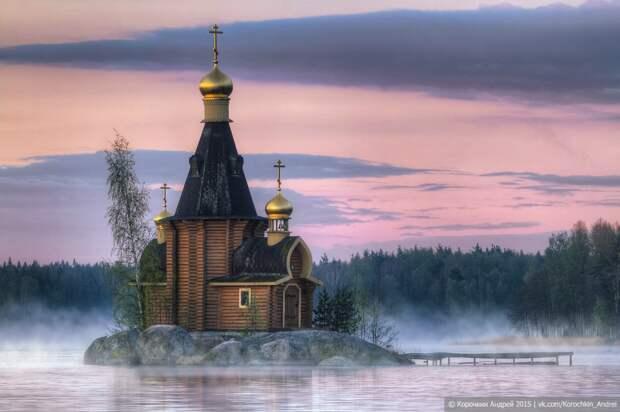 Красоты России. Русская церковь сказочной красоты, построенная на острове-скале