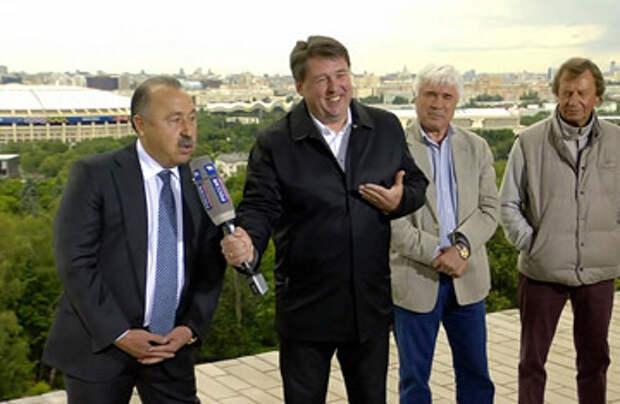 Блогеры в шоке от подхалимства бывшего футболиста Газзаева, который вместо вопроса Путину только благодарил его