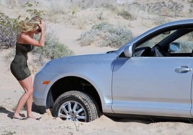 как выбраться из песка на машине
