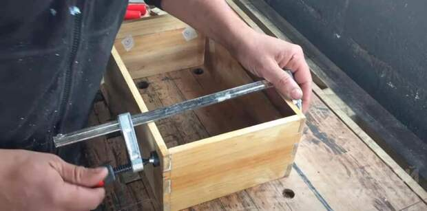 Полезная самоделка для мастерской: ящик для переноски инструментов