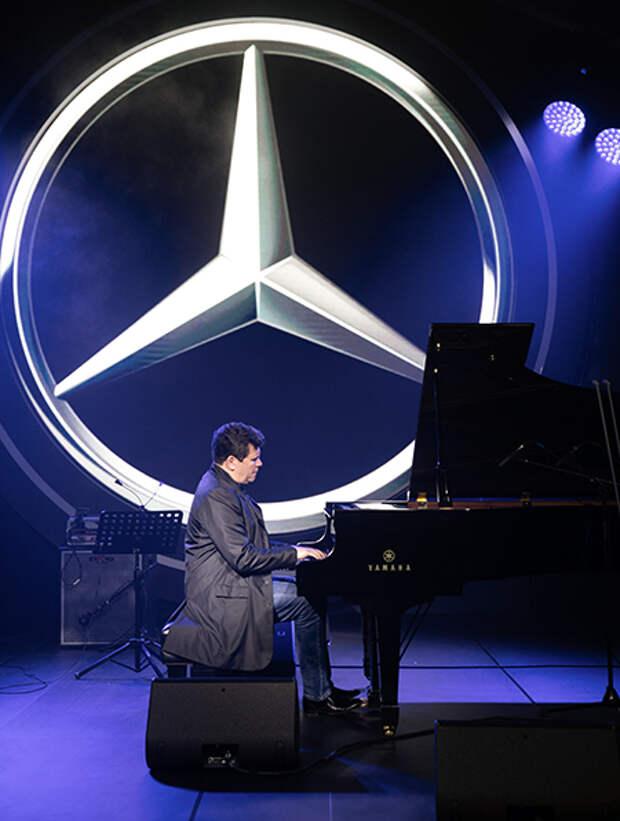 Юлия Ковальчук, Алексей Чумаков, Валерий Меладзе и другие гости предпоказа нового Mercedes-Benz