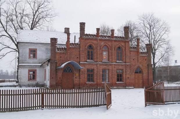 В Белоруссии 83-летний меценат восстанавливает старинную усадьбу на собственную пенсию история, меценат, пенсионер, факты