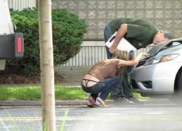Девушки за рулем иногда делают глупости, а может и нет  аварии, девушки, за рулем, приколы
