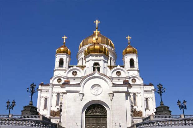 Храм Христа Спасителя как символ победы русского народа в Отечественной войне 1812 г. был заложен во время губернаторства князя Дмитрия Голицына в 1839 г