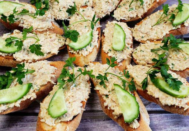 Намазка на хлеб на замену маслу: делаем из банки консервов за 5 минут