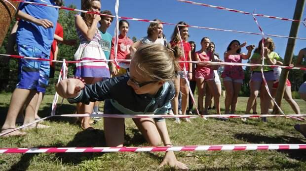 Психолог рассказала, нужно ли заставлять ребёнка учиться летом