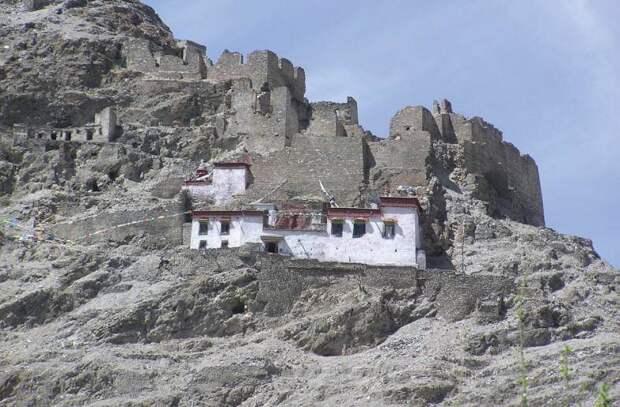 Затворники пещер Тибета