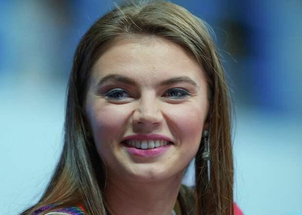 Благотворитель Алина Кабаева./ Фото: plin.ru