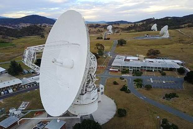 НАСА связалось с покинувшим Солнечную систему Voyager 2