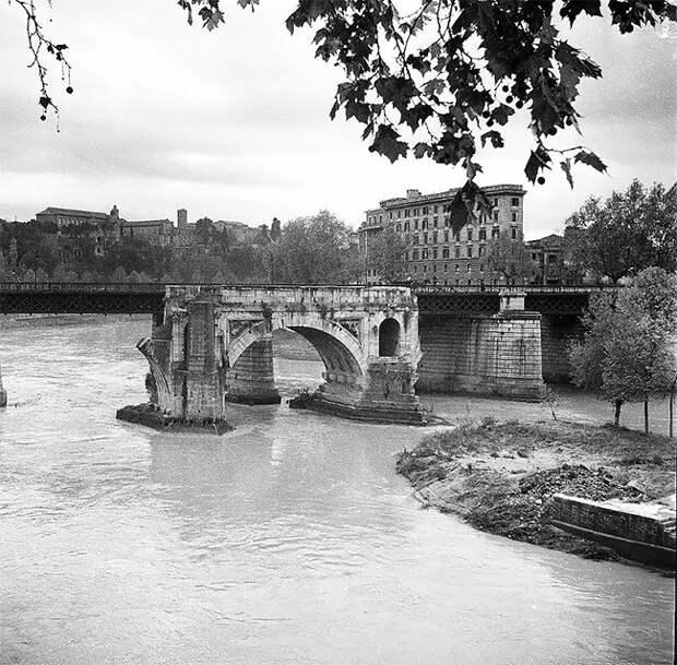 Восхитительные черно-белые фото послевоенного Рима