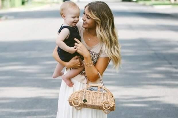 Что надеть маме на прогулку с ребенком, чтобы выглядеть стильно