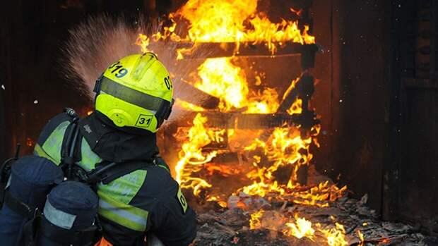 Петербургский бетонный завод на Таллинском шоссе охватил огонь