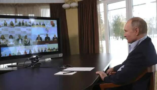 """Почему """"скучно, девочки""""? Путин преподал урок """"расследователям"""", как искать """"следы"""""""