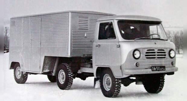 В Сети вспомнили об опытном тягаче УАЗ-452П