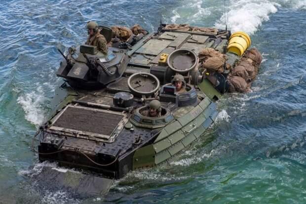 Девять морпехов США погибли в утонувшем БТР