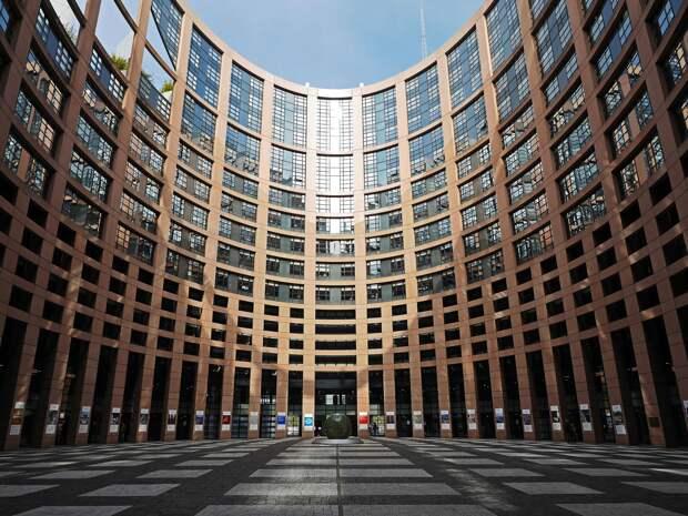 Европарламент провоцирует двоевластие в Белоруссии