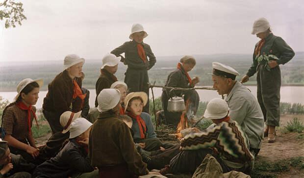 как доставался заветный значок отличия для туристов в СССР