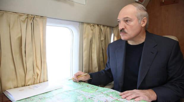 Двадцать лет назад хулиган бросил в Лукашенко помидор и попал. Его разыскали