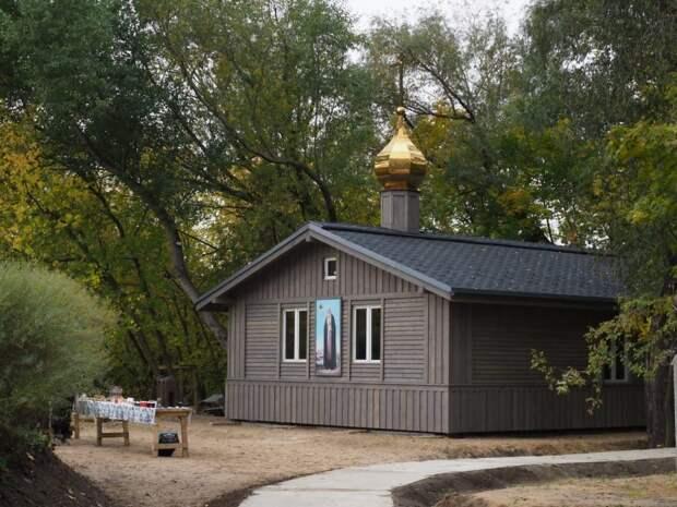 Службы в храме на улице Шеногина начнутся в ноябре