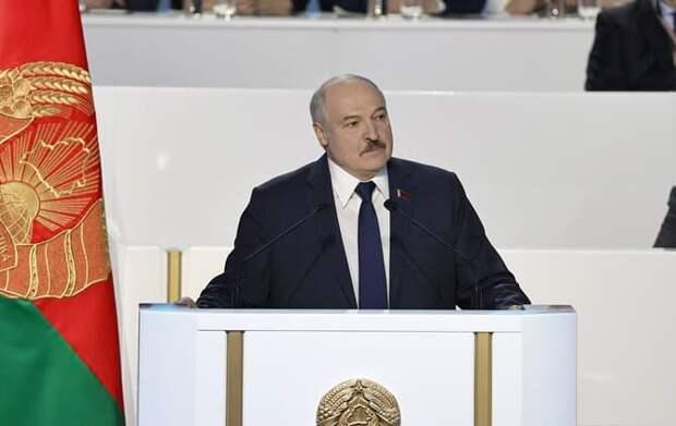 Лукашенко назвал главное условие ухода с поста президента