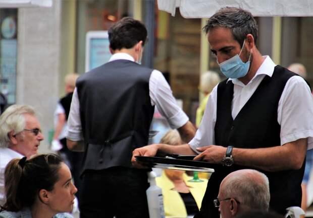 Ужесточать меры или нет: как Европа борется со второй волной коронавируса