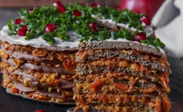 Печеночный торт с морковью и луком — вкусно, красиво и недорого