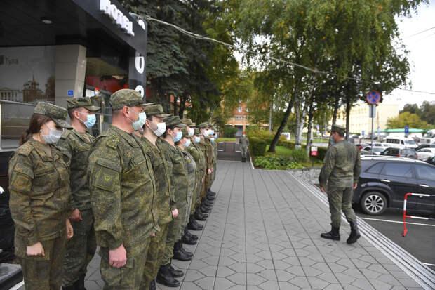 Военные медики Танковой армии ЗВО оказывают помощь местному населению в Тульской области в борьбе с короновирусной инфекцией