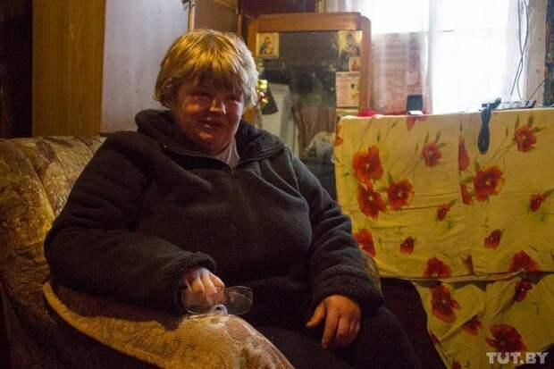 Пограничная жизнь. История полуслепой Анны и ее 13-летнего сына, который кормит семью истории, отношения, семья, факты