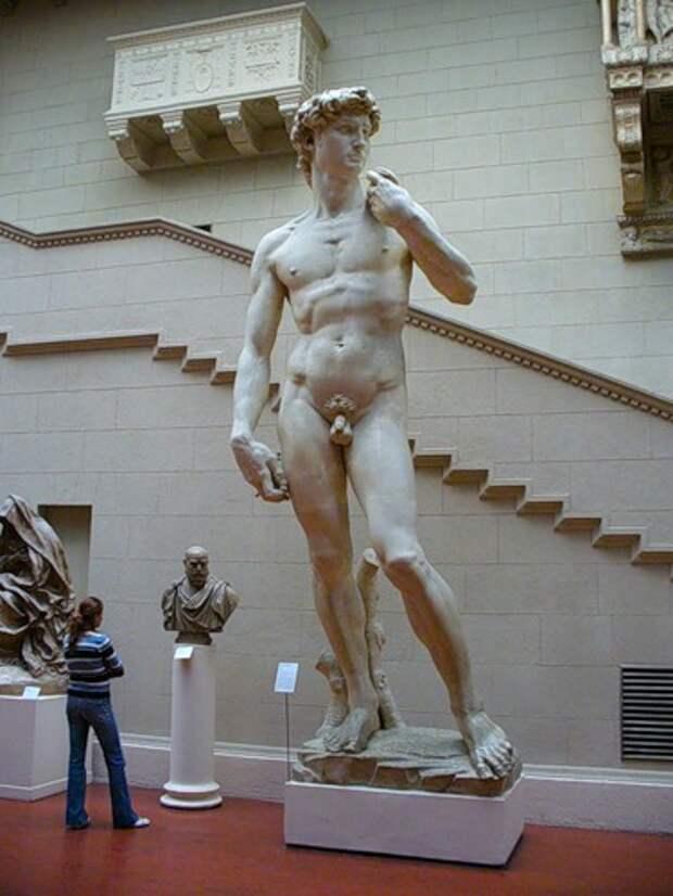 Российские музеи спрячут от детских глаз картины и статуи «18+»