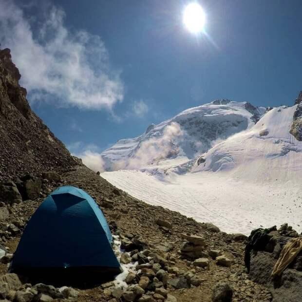 Безенги (Кабардино-Балкария). альпинизм, горы, зима, палатка, пейзаж, рассвет, снег, туризм