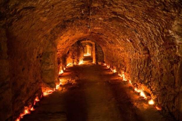 Уникальные средневековые туннели в Чехии. /Фото: magic-world.info
