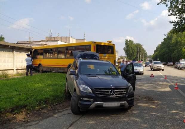 ИПОПАТ: устроивший ДТП пьяный водитель угнал автобус с территории автопарка