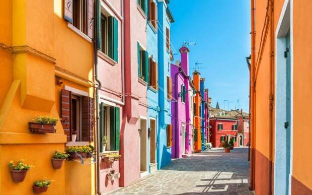 worlds-most-colorful-cities1-1-681x426