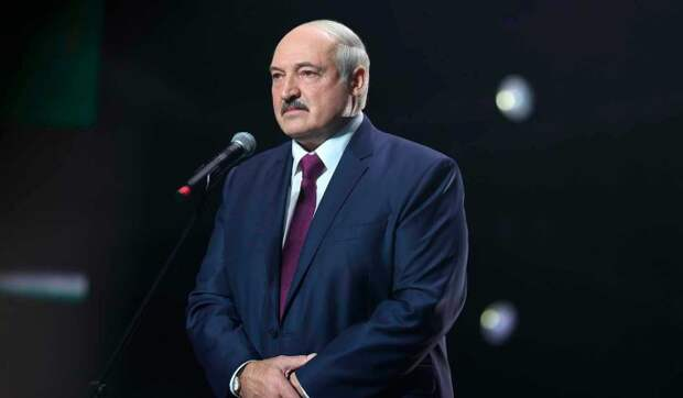 Почему Путин продолжает терпеть Лукашенко: эксперт назвал причину