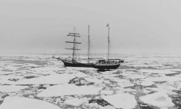 Русских промысловиков выбросило на необитаемый остров и они жили там 7 лет