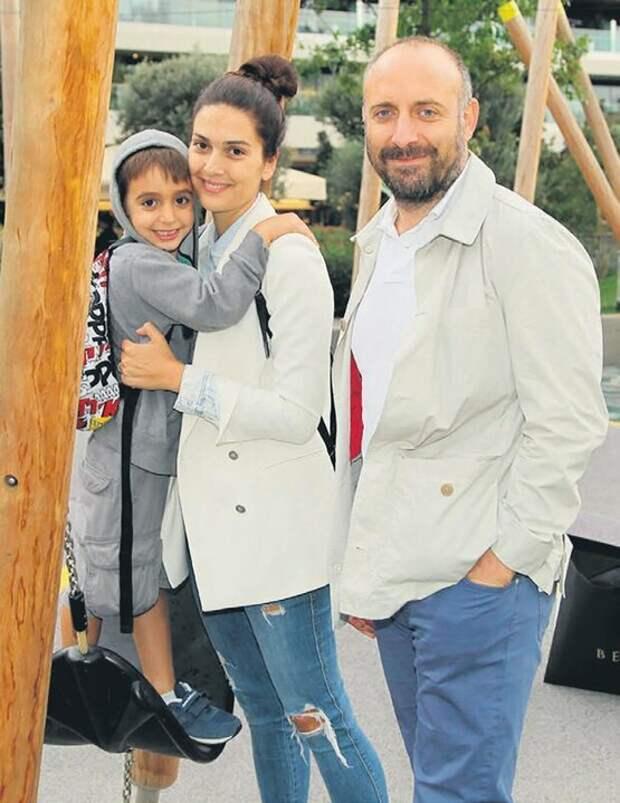 Как в реальной жизни выглядит Халит Эргенч его любимая жена и сын