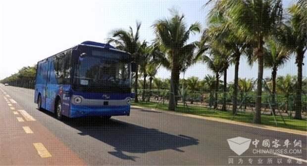 В Китае запустили беспилотный автобус