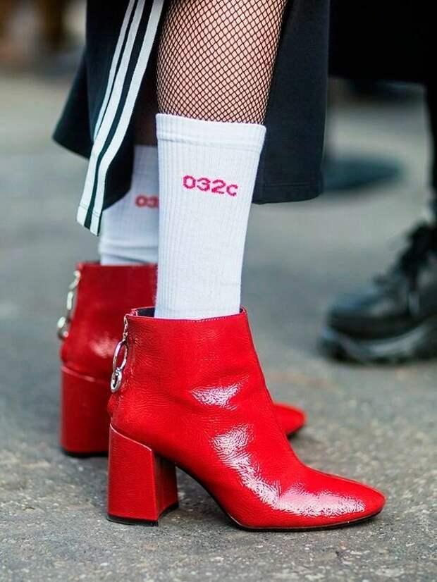 5 пар удобной обуви на низком каблуке, которые не навредят