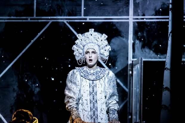 спектакль «Сказка про последнего ангела» в Театре Наций