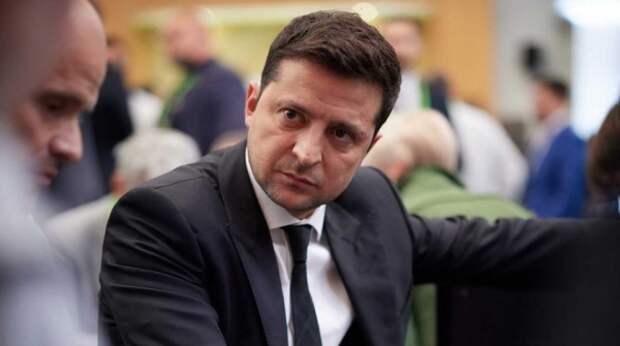 Зеленского обвинили в слежке за Порошенко