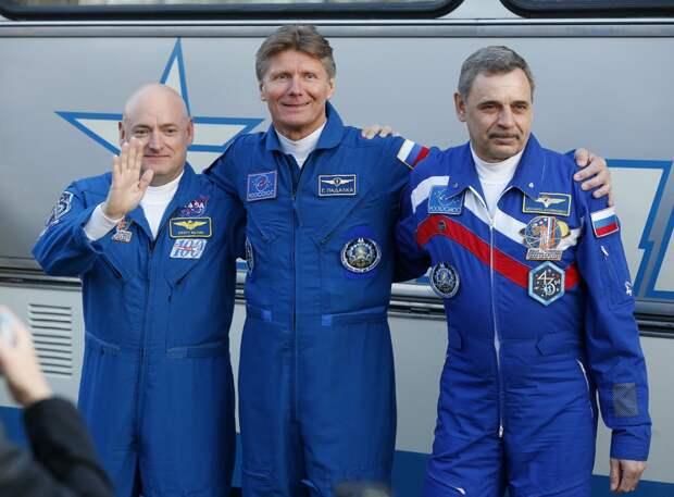 Рогозин сделает из космонавтов чиновников?